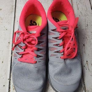 Nike Free Barefoot Ride 5.0  Size  9